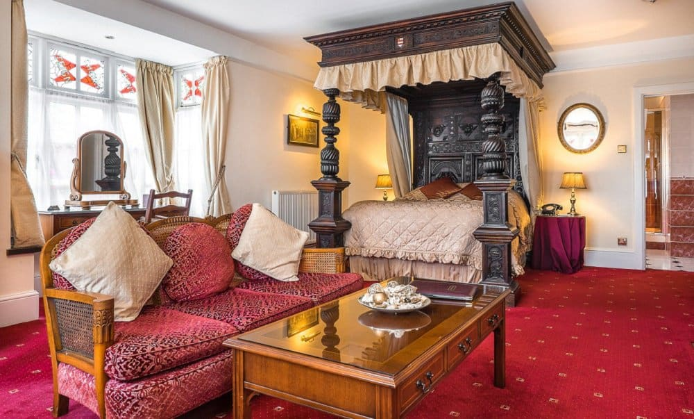 Luxury room at the Two Bridges Hotel