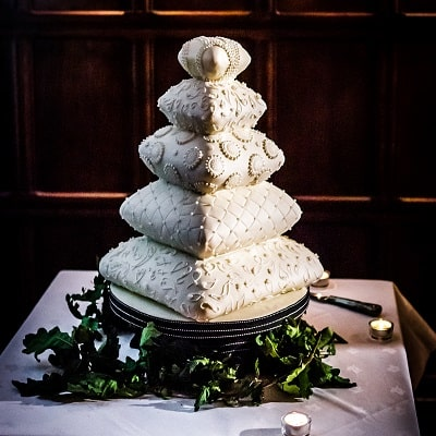 Wedding cake at Two Bridges Hotel