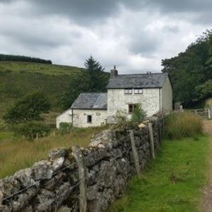 Start of walk to Wistmans Wood past Crockern Cottage